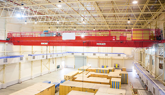 The two types of unit-load As/Rs include fixed-aisle unit-load AS/RS cranes and movable-aisle unit-load A/S cranes.