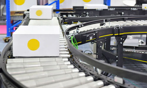 Automated conveyors provide durability, stability, and ease of installation.