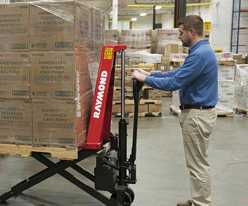 Raymond manual pallet jacks and hand pallet jacks have excellent ergonomics and safety features