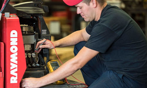 Pengate offers fast and reliable forklift service to help you avoid costly downtime when equipment breakdowns occur.