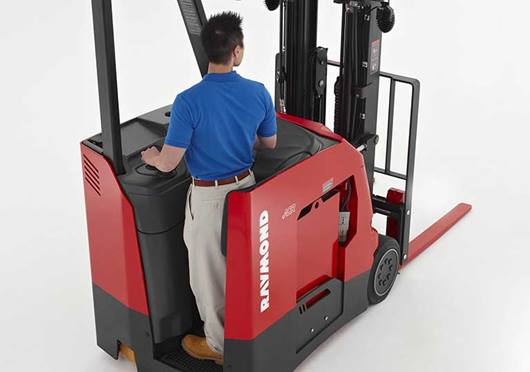 Raymond stand up counterbalanced lift truck comfortable operators compartment