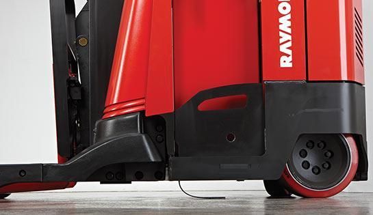 Raymond 7200 and 7300 reach truck