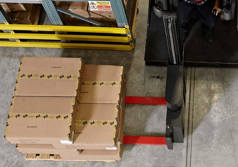 Raymond 9000 Series Swing Reach Truck End Aisle Load Retrieval